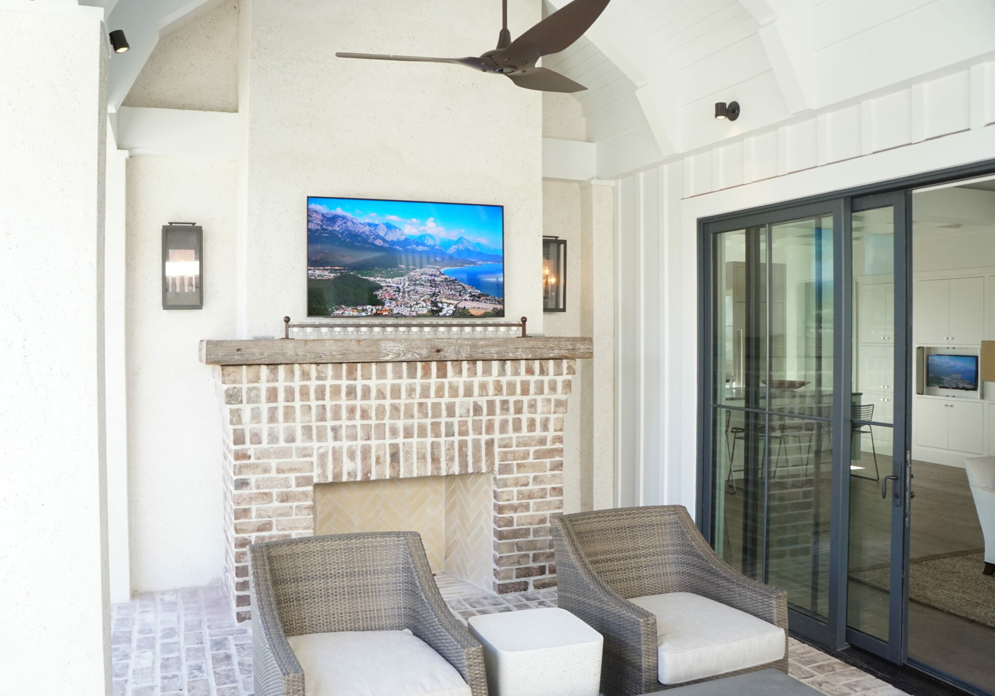 Outdoor HDTV