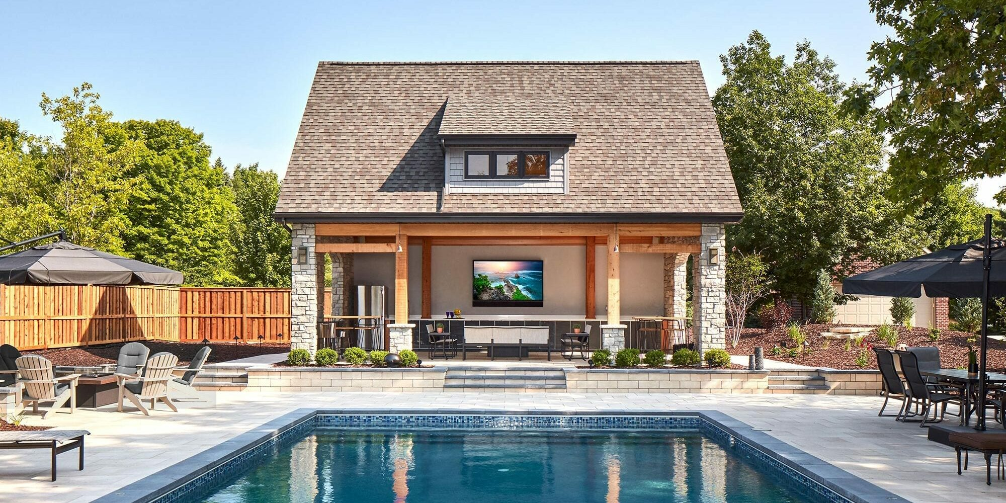 Ultra-Bright-pool-side-gallery